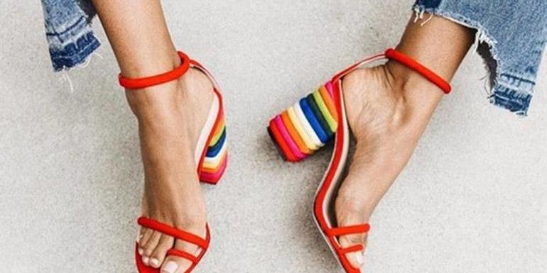 Almería a pie: Los zapatos están de moda